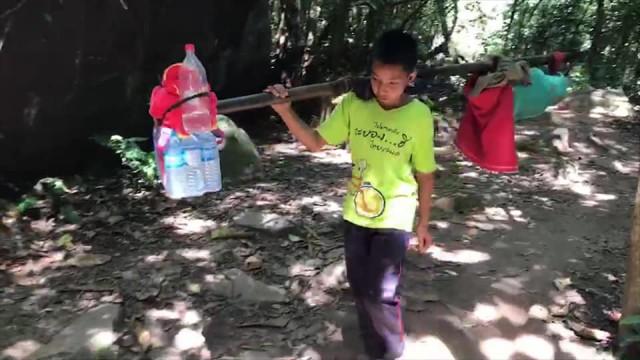 , ชาวเน็ตแห่ชื่นชม! หนุ่ยน้อยเด็กป 4 ช่วยพี่ชายหาบของ แบ่งเบาภาระครอบครัว, ลุงรวย(ใคร)